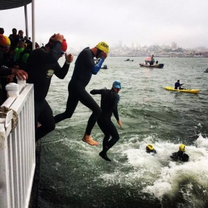 Swim start. Photo Credit escapefromalcatraztriathlon.com